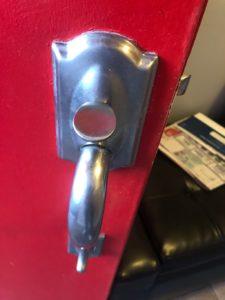 broken knob-min