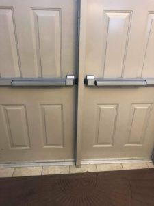 panic bar for commercial doors-min